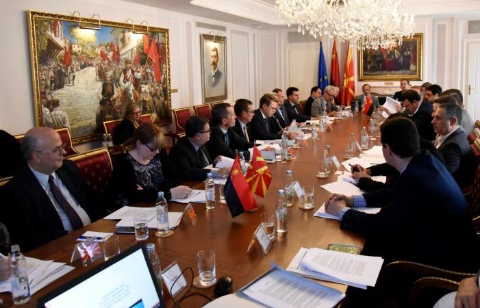 ВМРО-ДПМНЕ побара од амбасадорите фер и демократски избори