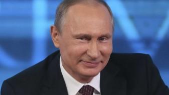 (ВИДЕО) Делегати направиле стампедо за да се сликаат со Путин