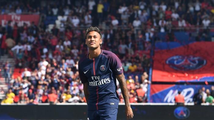 Нејмар побарал Барселона да биде исфрлена од Лигата на шампионите