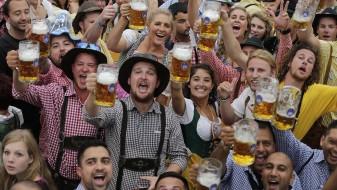 """На """"Октоберфест"""" годинава се испиени 7,5 милиони литри пиво"""