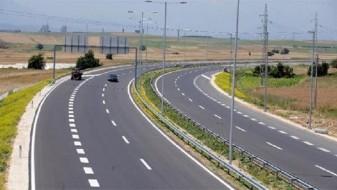 АМСМ: Сообраќајот се одвива непречено, наместа по влажни коловози
