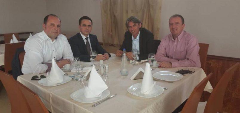 Коалции во албанскиот блок за вториот круг   Алијанса   Беса  ДУИ СДСМ