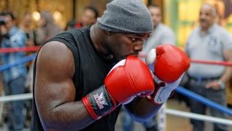 Џошуа ќе мора да боксува со Такам