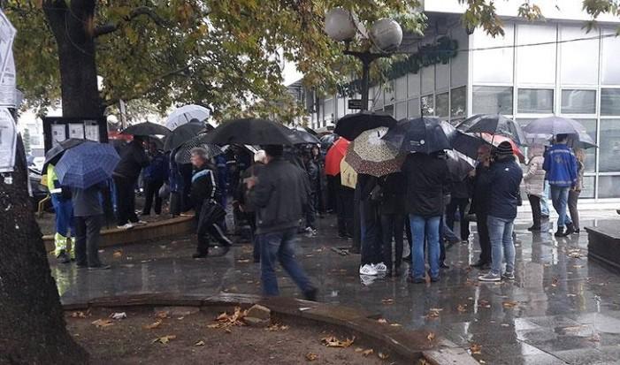 """Вработените во """"Фени"""" ќе го блокираат патот Прилеп-Градско, бараат повлекување на стечајот"""
