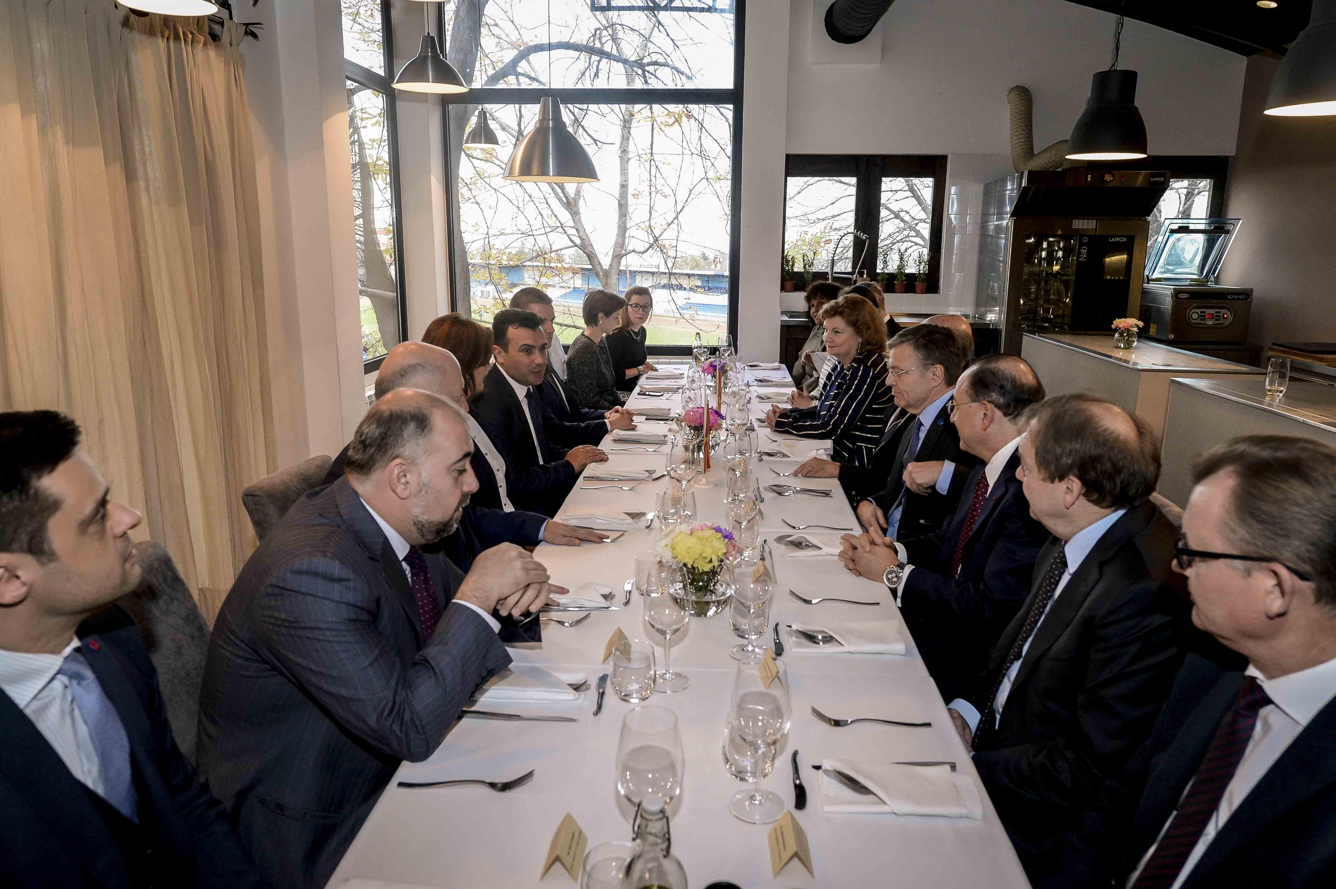 zaev-ostvari-sredba-so-nerezidentni-ambasadori-za-makedonija-vo-belgrad