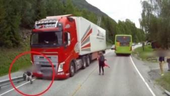 (Видео) Сопирачките беа пресудни: Избегната трагедија за неколку сантиметри