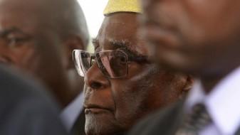 Мугабе плачел откако ја поднел оставката