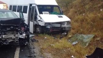 Се судрија минибус и камион во Бугарија, девет мртви