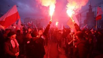 EУ ја повика Полска да ги почитува правото и демократијата