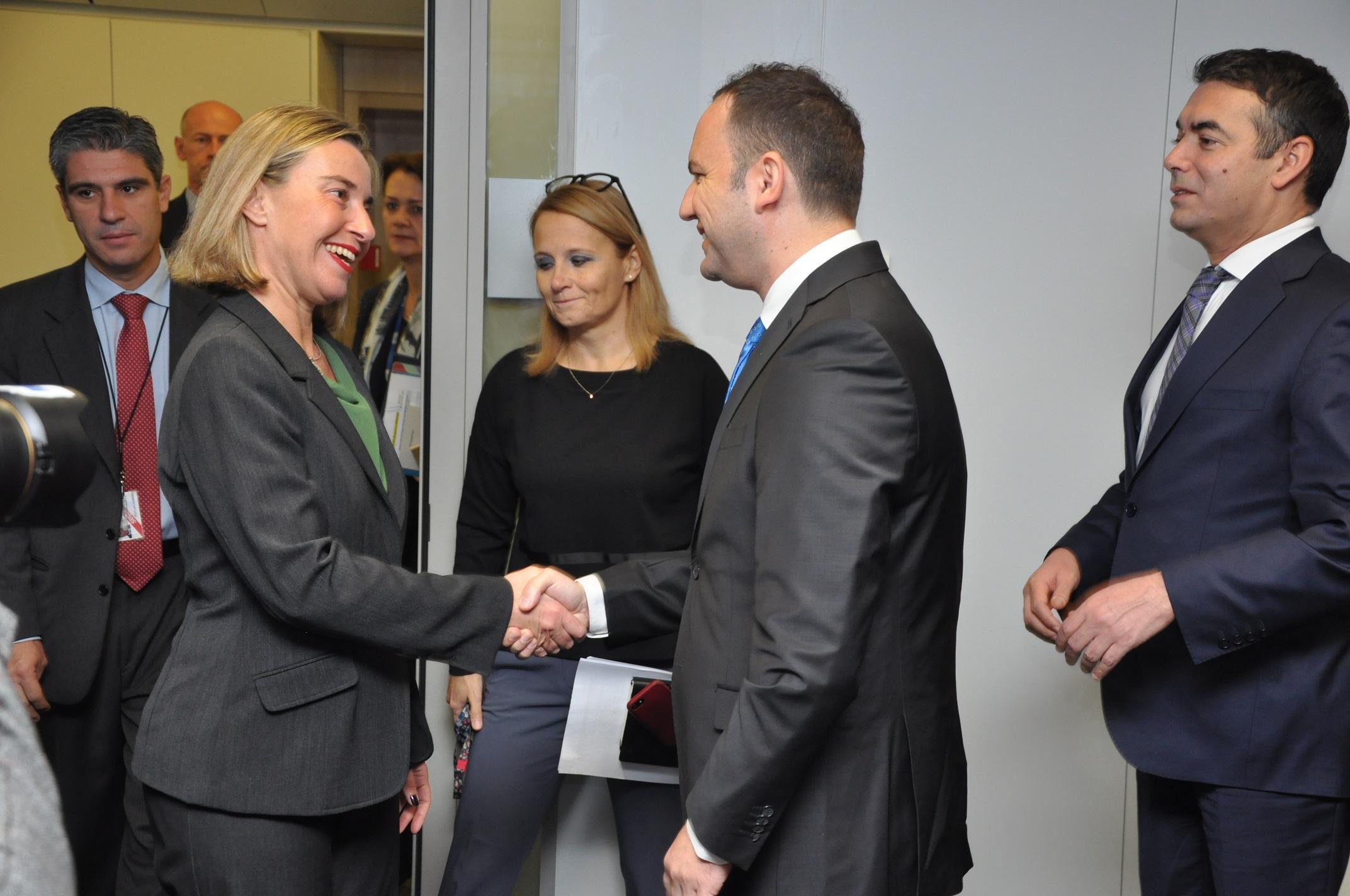 Османи и Димитров се сретнаа со Могерини во Брисел