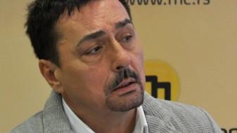 Српскиот пејач Кеба со автомобил удрил во девојка на пешачки премин