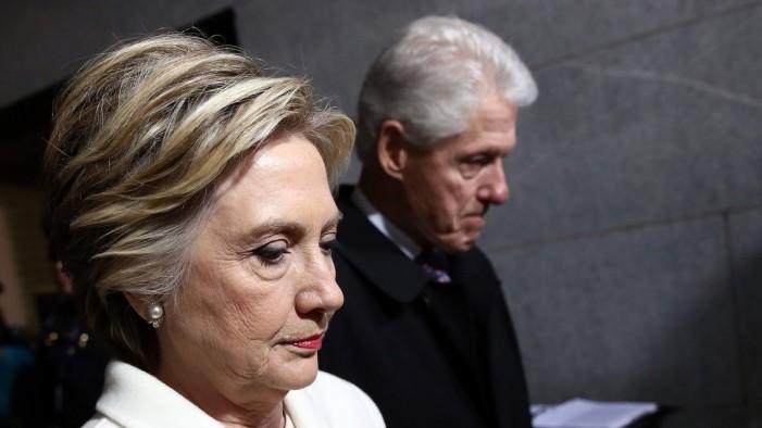 Американското Министерство за правда побара истрага против Хилари и Бил Клинтон