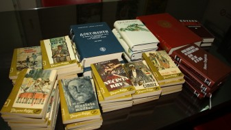 """Прилеп: Донација на книги во градската библиотека """"Борка Талески"""""""