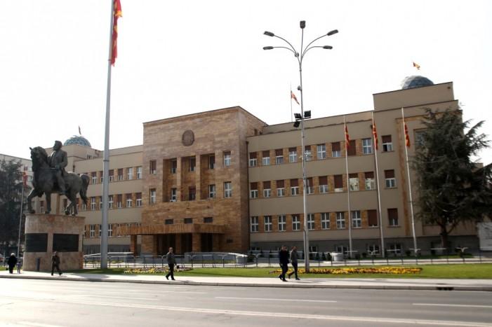Собранието ги констатираше оставките на пратениците кои беа избрани за градоначалници