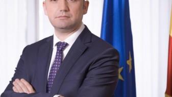 """Вицепремиерот Османи се дообјаснува на """"Фејсбук"""", референдум за името, сепак, ќе има"""