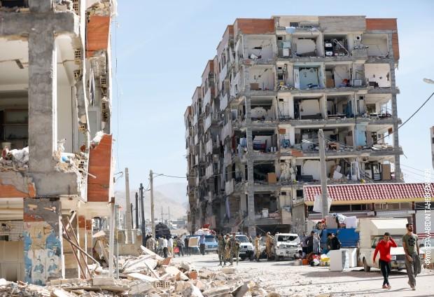 Рохани најави истрага за штетите по земјотресот