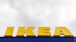 """Икеа"" повлече 29 милиони парчиња мебел поради седум смртни случаи"