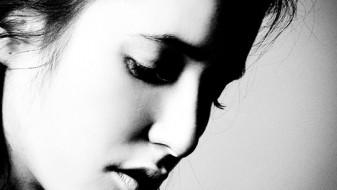 """Дебитантска стихозбирка """"Еленот слуша виножито"""" од Магдалена Чапаровска"""
