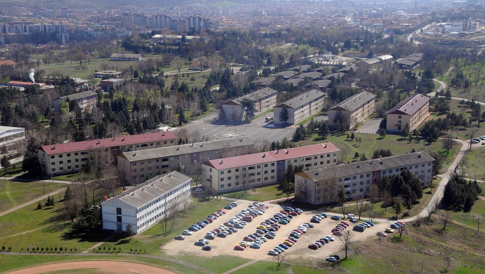 Косовец затекнат во касарната  Илинден   ќе одговара за неовластено правење скици на воени објекти