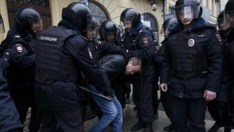 Уапсени 263 руски екстремисти, одземени пиштоли, ножеви и друго оружје
