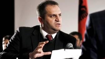 Шпенд Ахмети останува градоначалник на Приштина