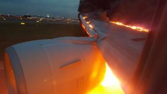 (Видео) Одложен одморот на Хаваи: Авион се запали при полетување