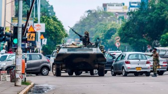 (Видео) Пуч во Зимбабве: Мугабе во домашен притвор по 37 години на власт