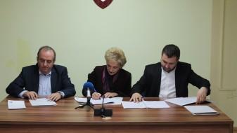 Потпишан колективниот договор за вработените во општина Центар