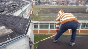 """Се санира покривот на ОУ """"Гоце Делчев"""" во Гостивар"""