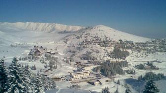 Снег на Попова Шапка и во Маврово