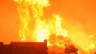 Пожарот во Калифорнија голем колку Њујорк