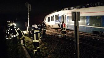 Два воза се судрија близу Дизелдорф, има повредени и заробени патници