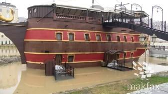 Од Вардар треба да се извадат галиите, врбите, мостовите и фонтаните за да нема поплави