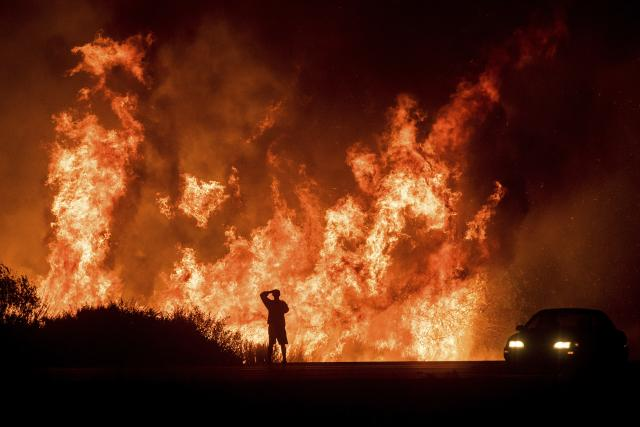 (Видео) Пожарот во Калифорнија голта имоти и на богаташи