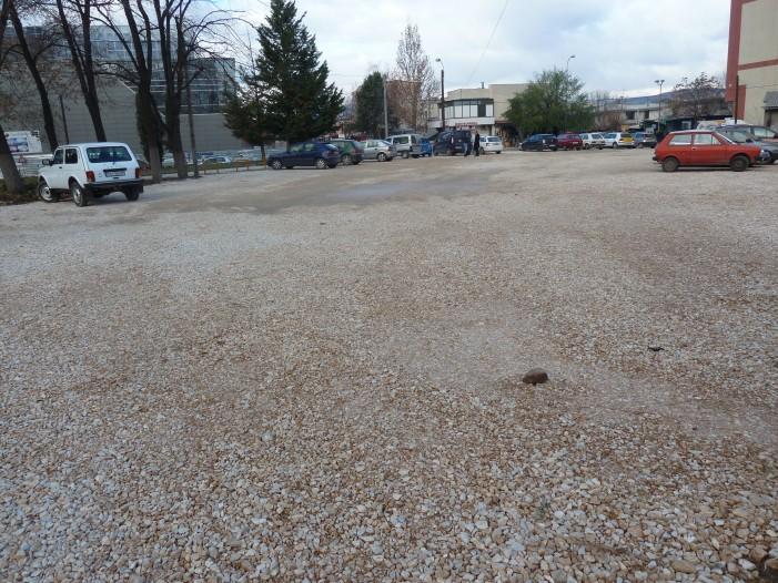 Нов паркинг-простор во близина на пазарчето во Ѓорче Петров