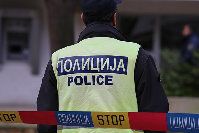 Пијан полицаец од Кочани ѝ се заканувал на сопругата дека ќе ја убие