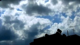 Умерено облачно време со услови за дожд