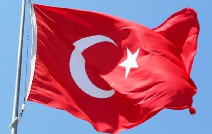 Турција врати на работа 1.800 државни службеници