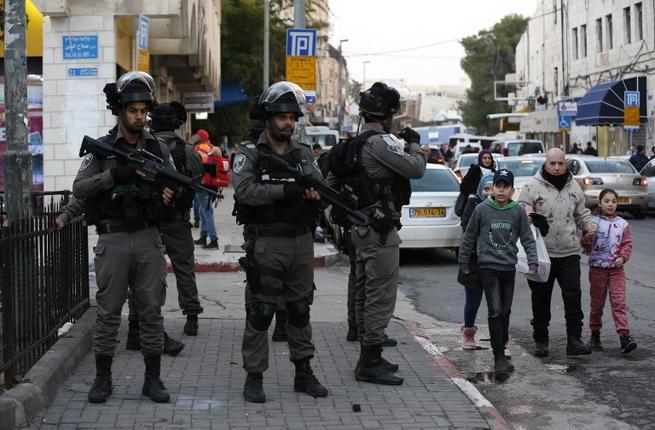Палестинските демонстранти се судрија со израелски војници