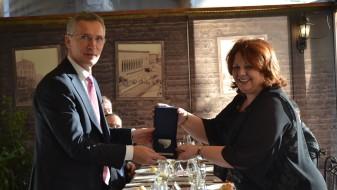 (Фото) Столтенберг се сретна и со Катица Јанева и обвинителите