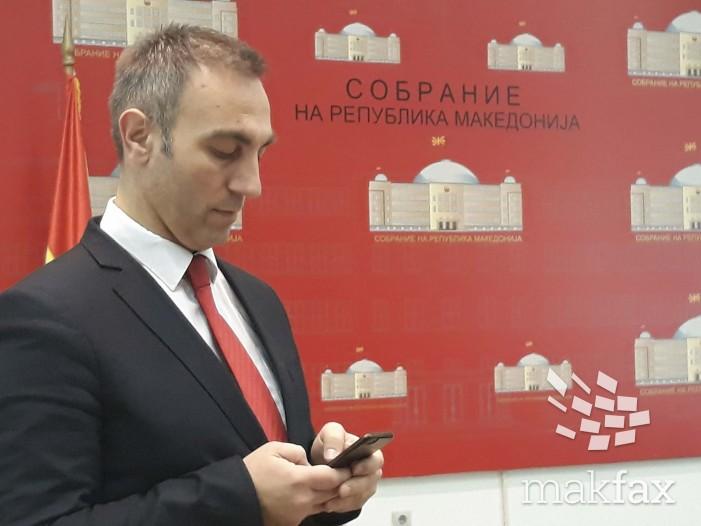 (Видео) Груби: Доколку Иванов не го потпише Законот за јазиците, тој повторно ќе се врати во Собранието
