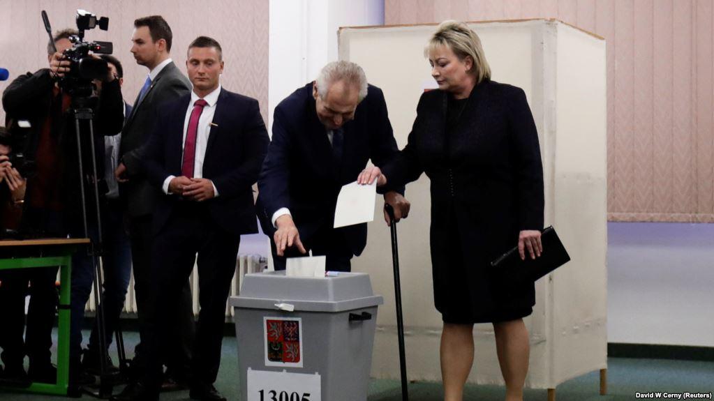 Чешка  Земан и Драхош ќе ги одмерат силите во вториот круг од претседателските избори