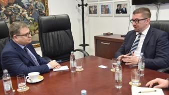Мицкоски: ВМРО-ДПМНЕ ќе стори сè за членство во ЕУ и НАТО, од Владата гледаме само декларативни заложби