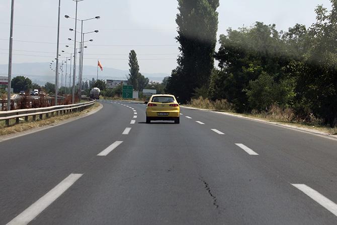Се отстранува камион кај клучката Дебреште, пренасочен сообраќајот на патот Градско-Прилеп