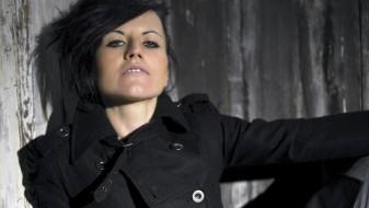 """Почина Долорес О'Риордан, пејачката на бендот """"Кренберис"""""""