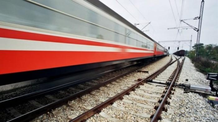 Франција: Пијани патници лумпувале во воз, приведени 30 лица