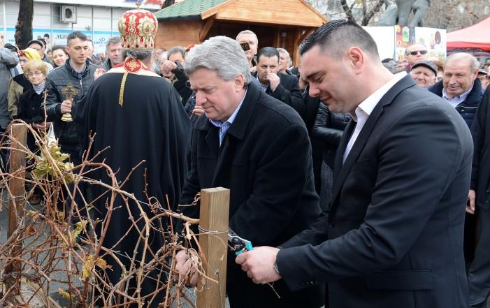 Претседателот Иванов на одбележување на празникот Св. Трифун во Кавадарци