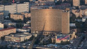 (Видео) Пожар во хотел во Москва, евакуирани 230 луѓе