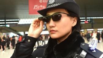 Полицијата во Кина почна да користи паметни очила за препознавање лица