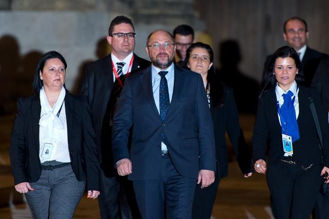 Шулц поднесе оставка од местото лидер на СПД